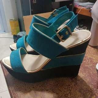 BN charles & keith heels