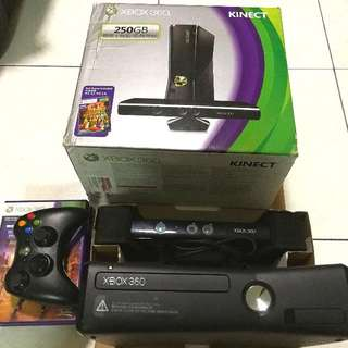 Xbox 360 With Kinect (Inclusive Of 5 Games!)