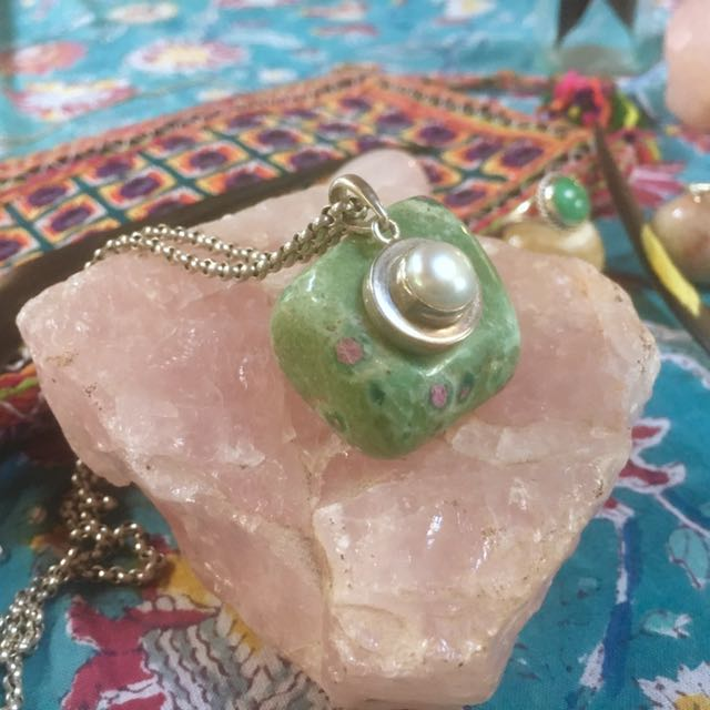 925 Sterling Silver Pendant With Genuine Pearl