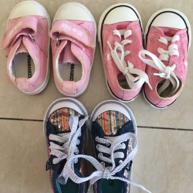 af4a5f40afaedc Authentic Converse Kids Sneakers Size US5