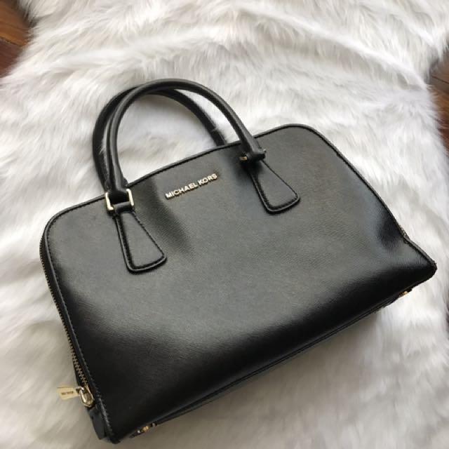 Authentic Michael Kors Hand Bag