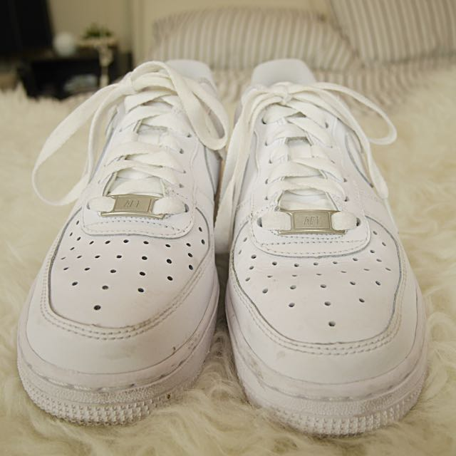 AUTHENTIC WHITE NIKE AIR FORCE 1