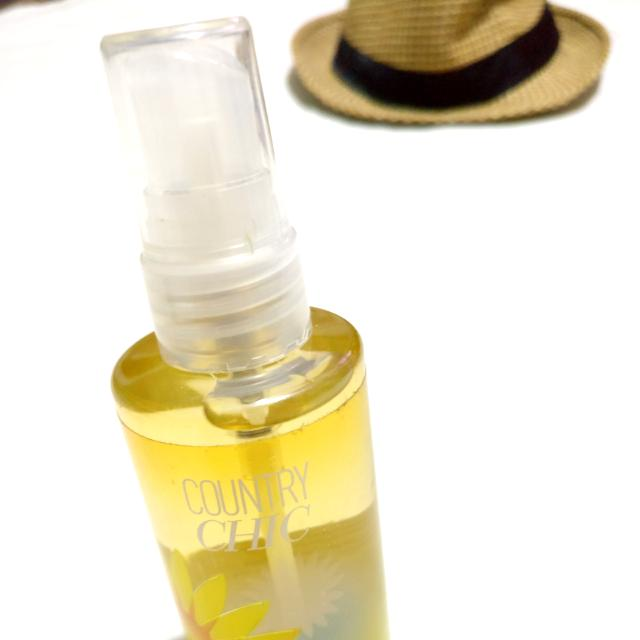 Bath and Body Works Signature Collection Country Chic Fina Fragrance Mist 88ml/ 3 fl oz
