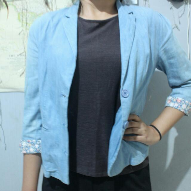 Blouse Blue Jeans (Outer)
