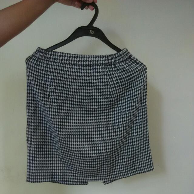 B&W Mini Skirt
