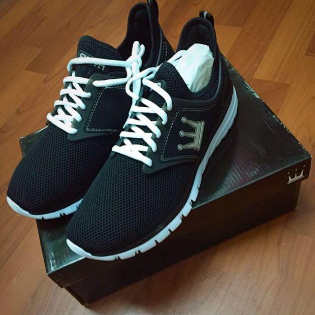 (男)DADA D-WALK時尚輕質跑鞋-百搭黑 US9.5