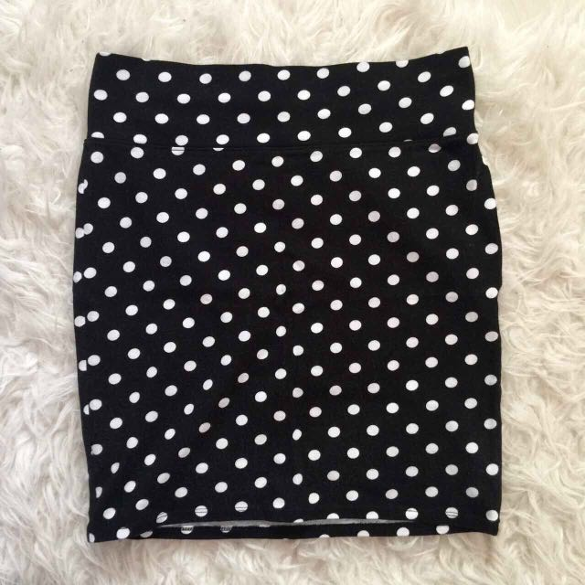Forever 21 Pencil Mini Skirt (Black w/ White Polka-Dots)