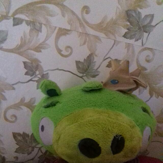Green Angry Bird Bantal