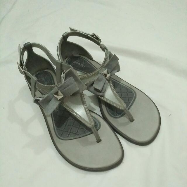 Grendha Gray Slippers