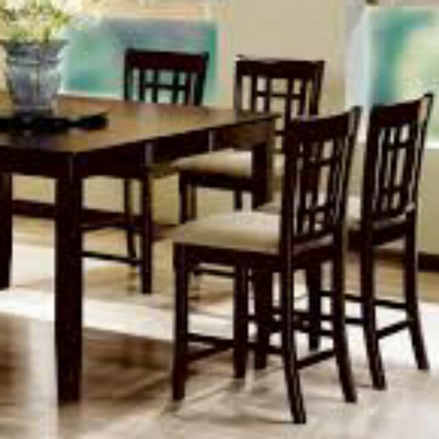Mohagany Pub Table With 8 Chairs