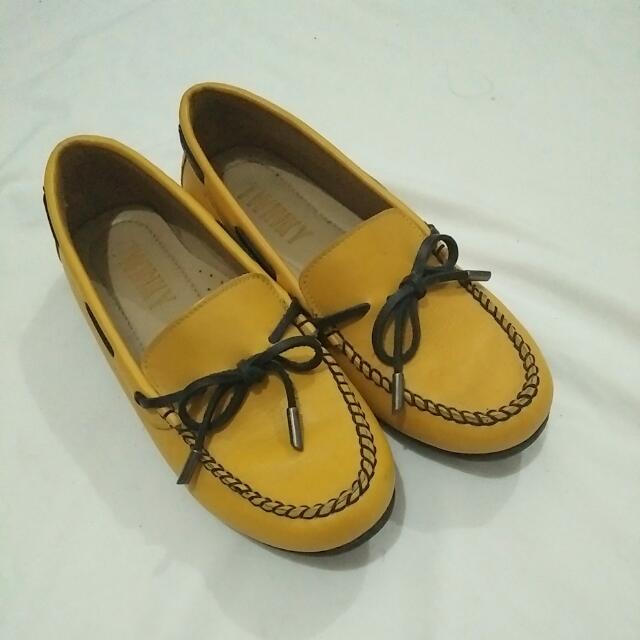 Twinky Mustard Loafers