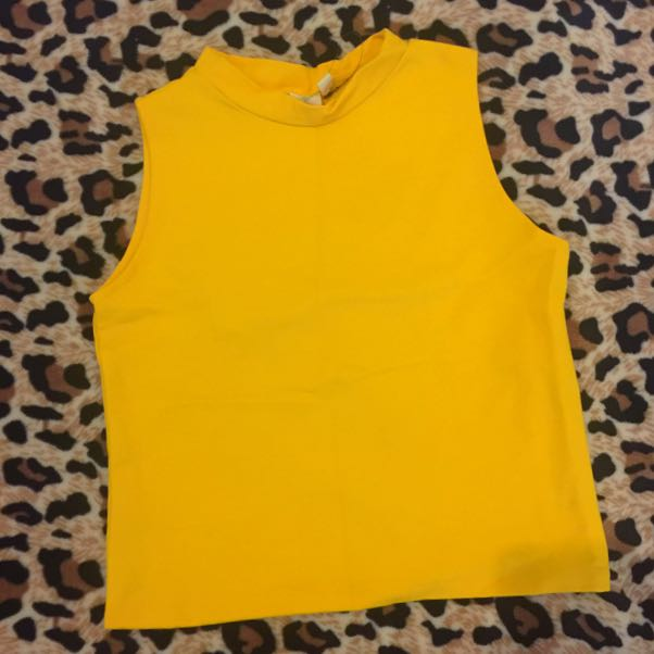New Shapes Semi Croptop