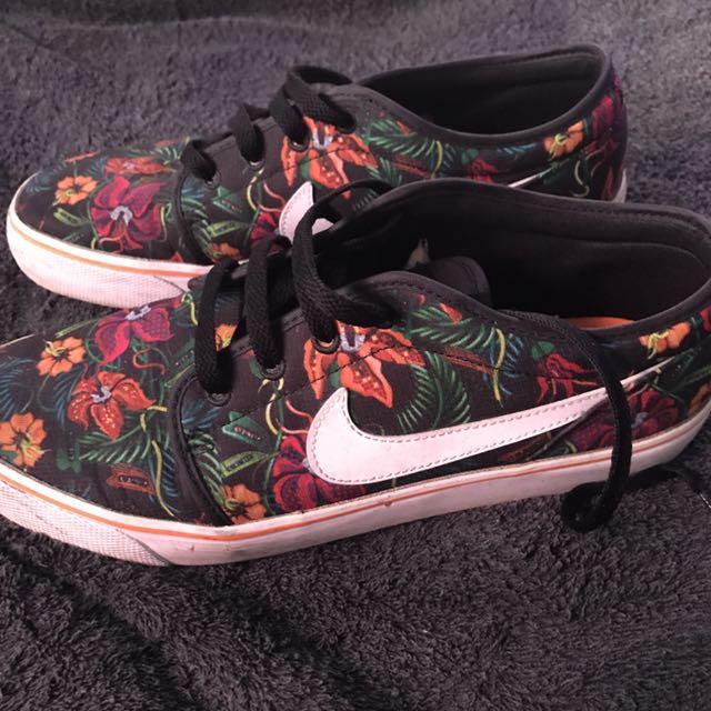 Nike SB Toki Low Floral