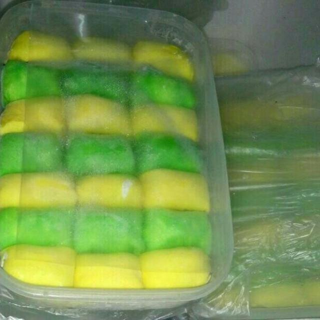 PANCAKE DURIAN MEDAN Mini Isi 21, Food & Drinks, Baked Goods on Carousell