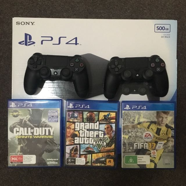 Ps4, 2 Controllers And 3 Games