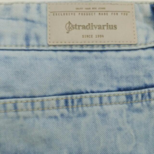 ripped jeans stradivarius