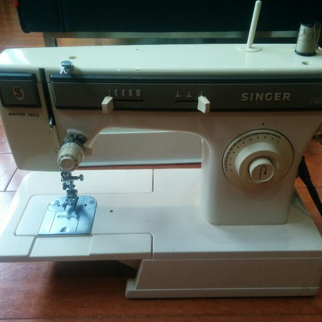 Singer 1802 Sewing Machine
