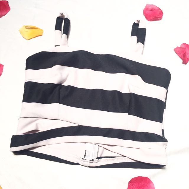 Stripe Bustier Black And White Top / Kemben Hitam Dan Putih / Preloved Kemben Crop Top Murah