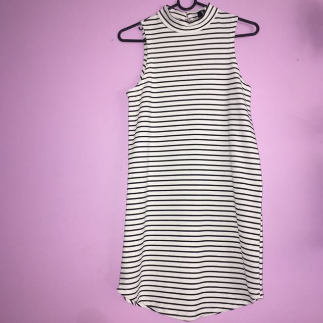 Stripped Mock Neck Lose Body Con Dress