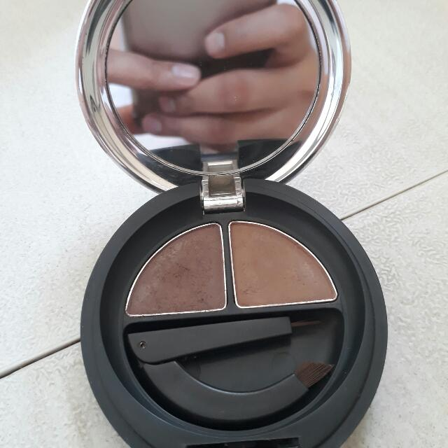 The Body Shop Brow Powder (two way cake)