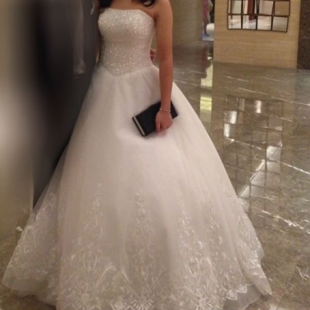 White Ball Gown For RENT, Preloved Women\'s Fashion, Clothes on Carousell
