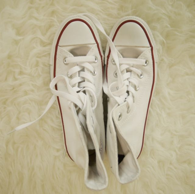 WHITE HIGHTOP CONVERSE