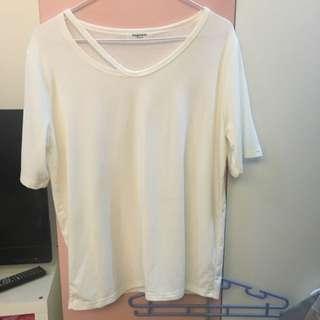 白色上衣全新