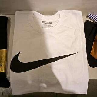 NEW - Tshirt Kaos Nike