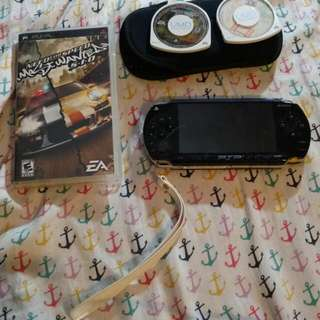 Psp with game ans demo disc