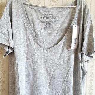 (L) Grey V Neck T Shirt