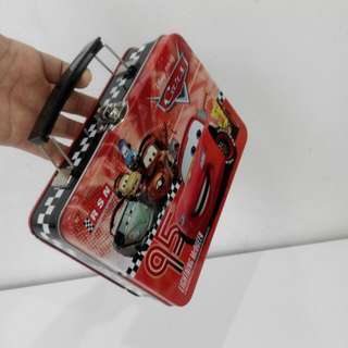 Lightning McQueen Cars Disney Pixar Tin container with 2 pouches