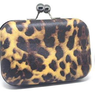 Brand Outlets - Hard Case Leopard Printed Clutches