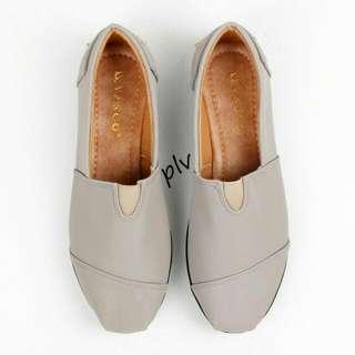 Sepatu Flat ala TOMS/WAKAI - Abu