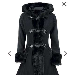Stunning Winter Coat. Size SM/M. Vintage Gothic Style