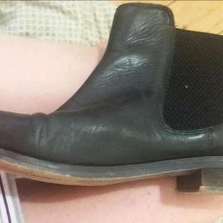 Topshop Classic 100% Leather Chelsea Boots Size 9/40 RRP $150