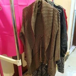 咖啡條紋針織垂領外套