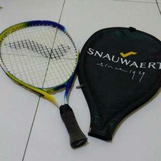 Raket Tenis Merk Snauwaert