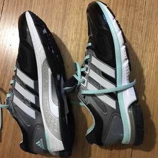 Adidas Ozweego Size 8 US