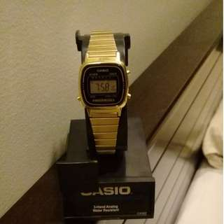 Casio Digital Women's Gold tone plated Stainless steel Strap Watch