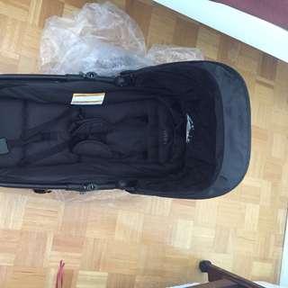 urbini baby bassinet (new) & car seat base