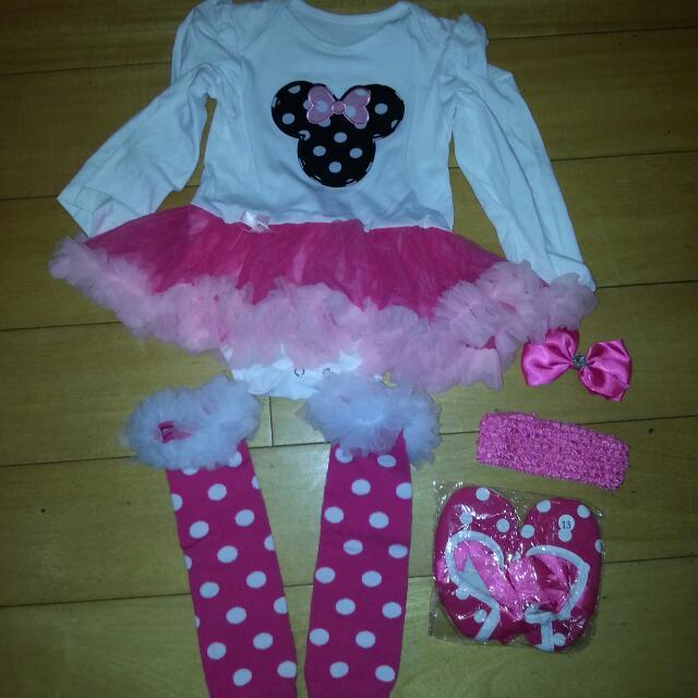 女寶卡哇依包屁衣組、鞋子、襪子、髮飾