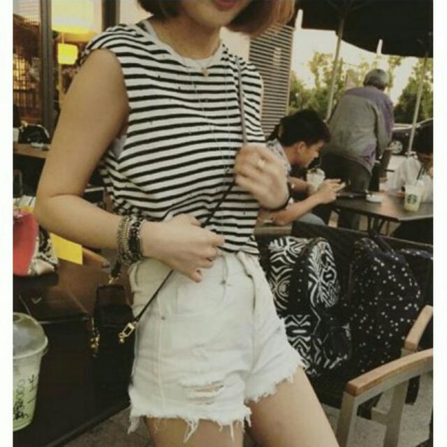 白色刷破短褲(有蝦皮