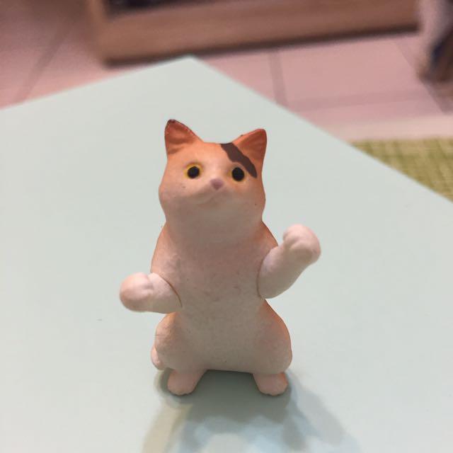 黃色貓咪扭蛋