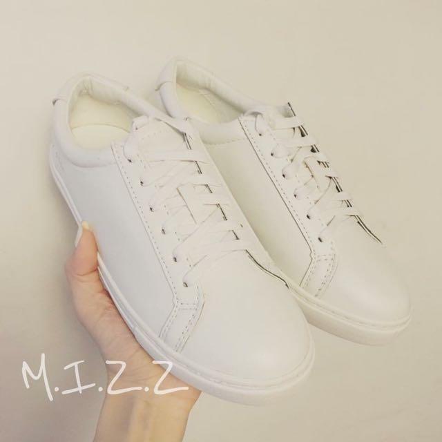 韓國全真皮超火紅小白鞋