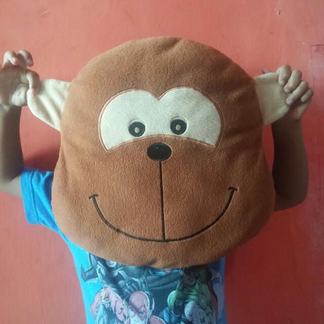 Bantal Monyet