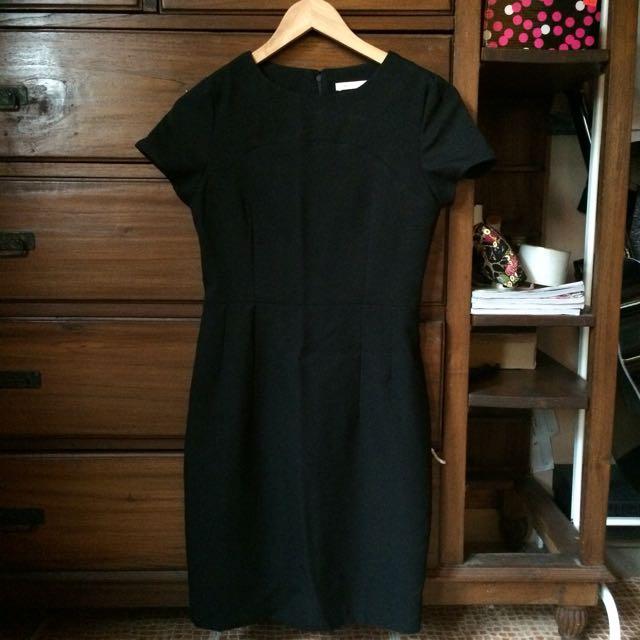 Black Dress (Accent)