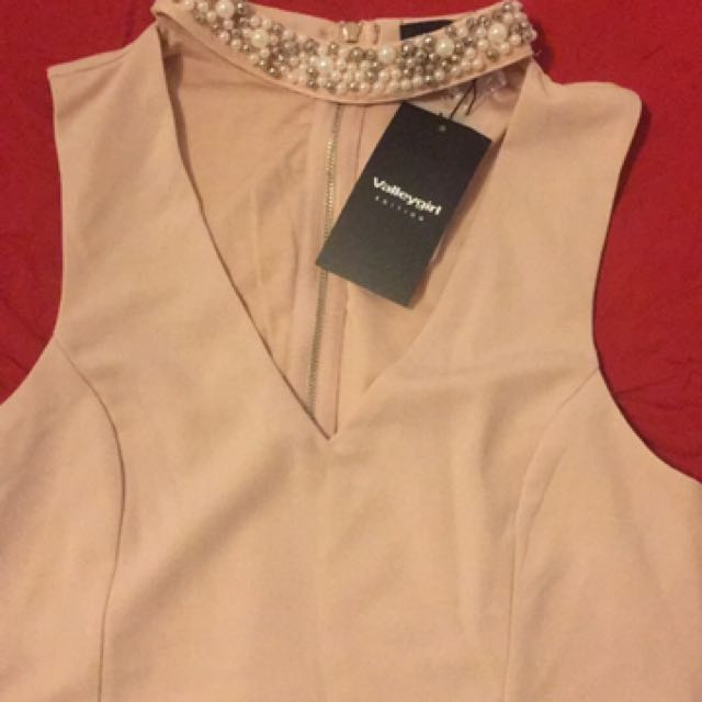 Brand-New Ladies Jewel Top Size Large V Neck Party Top