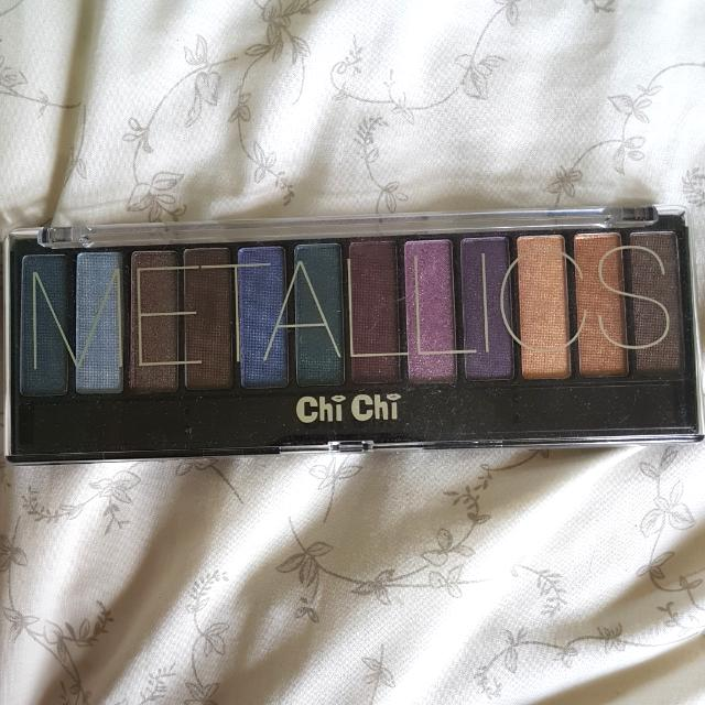 ChiChi Metallics Eyeshadow palette