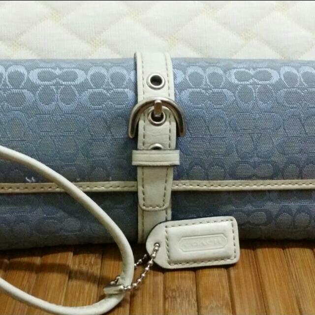 COACH水藍刺繡壓紋長夾