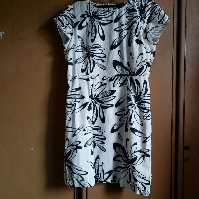Dress Floral Black N White